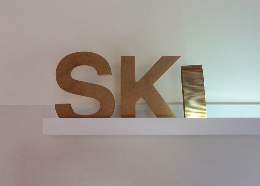 3D letters in wood, to give the feel for mountain!