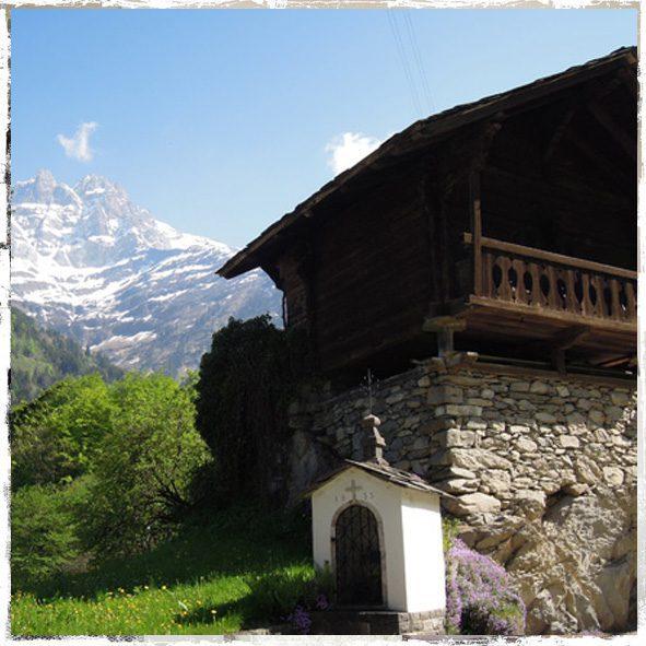 vue_montagne_chalet