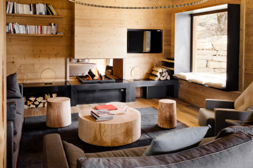 chalet cosy neve design. Black Bedroom Furniture Sets. Home Design Ideas